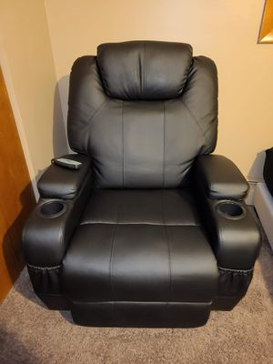 Recliner massage chair for Sale in Columbia Station, OH
