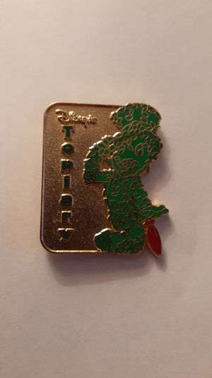 DISNEY PARKS Hidden Mickey Pin Topiary collection Jiminy Cricket Chaser pin RARE !!! for Sale in Fort Lauderdale, FL