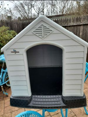 Dog House - CONFIDENCE PET LARGE PLASTIC DOG KENNEL for Sale in West Springfield, VA