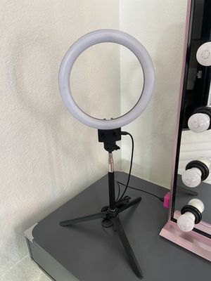 "8"" LED RINGLIGHT for Sale in Ontario, CA"