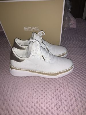 Women's Michael kors size size 8 for Sale in The Bronx, NY