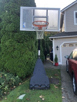 Adjustable Spalding Basketball Hoop for Sale in Woodinville, WA