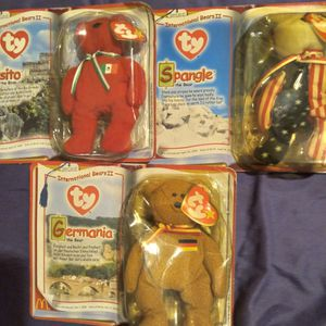 """Ty 2000 Usa Bear Beanie baby. Condition is """"Used"""". for Sale in Lakeland, FL"""