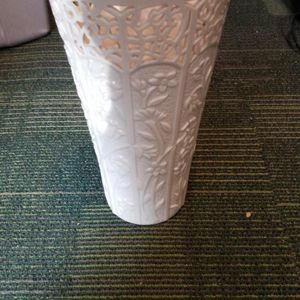 Large Lennox Vase for Sale in Roxbury Township, NJ