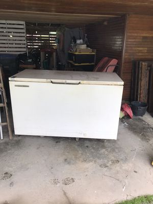 Large chest freezer for Sale in Stanwood, WA