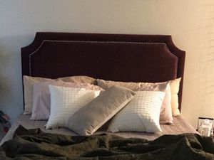 Headboard for Sale in Los Angeles, CA