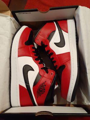 Jordan 1 Mid Chicago Black Toe - Size 10 for Sale in Dublin, CA