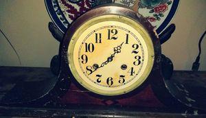 vintage Dulsani mantle clock for Sale in Oklahoma City, OK