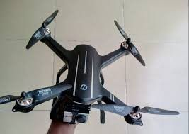 Hs 700 brand new just my phone doesent get 5g wifi so i would like to trade for differnt drone. for Sale in Wheat Ridge, CO