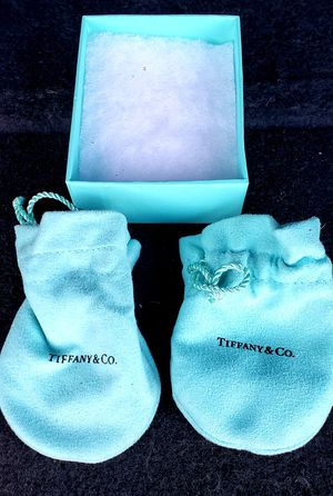 Tiffany & Co. Paloma Picasso sterling silver double loving heart necklace for Sale in Half Moon Bay, CA