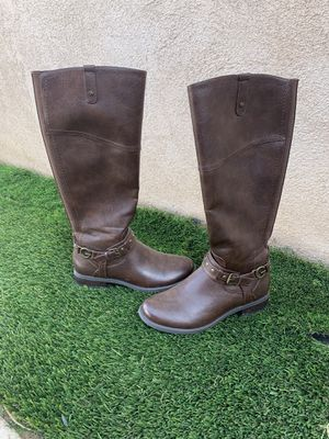 Guess Boots 8 1/2 W for Sale in Victorville, CA