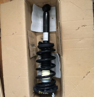 Strut/Control Arms/Ball joints for 2003 Infiniti I35 for Sale in Chicago, IL