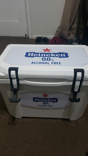 Grizzly model 15 cooler - unique Heineken branded for Sale in Long Beach, CA