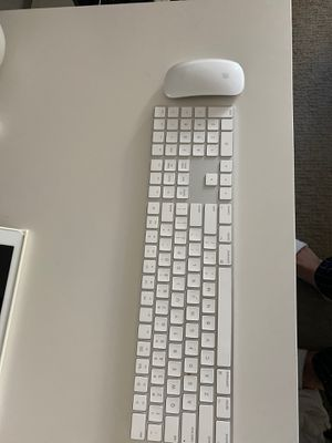 Apple wireless keyboard and magic mouse for Sale in Las Vegas, NV