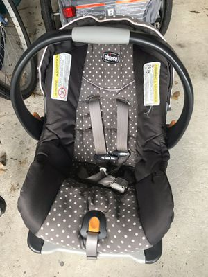 1 year old Chicco keyfit 30 infant car seat- pristine condition for Sale in Windermere, FL