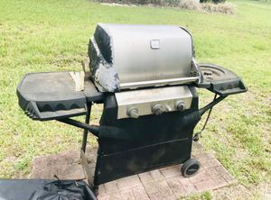 BBQ grill PICK UP ONLY WINTER HAVEN for Sale in Winter Haven, FL