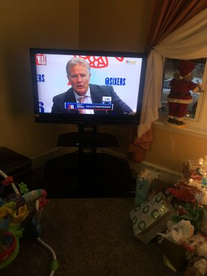 Panasonick— 40 inch. PLASMA TV- with 3 shelf. Tv stand for Sale in National Park, NJ