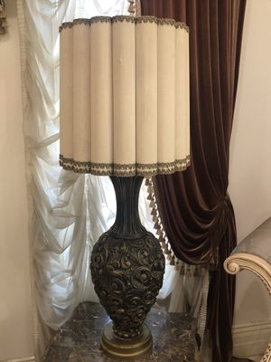 Finely detailed antique Lamp stand for Sale in Los Angeles, CA