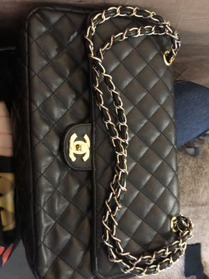 A real Chanel bag for Sale in Suitland, MD