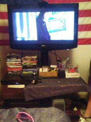 32' flat screen with stand good condition for Sale in Gold Bar, WA