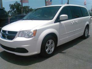(2013 Dodge Grand Caravan)(CLEAN TITLE) for Sale in Miami, FL