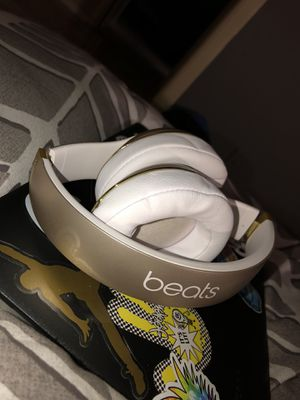 Beats Studio2 Wireless Gold for Sale in Tampa, FL