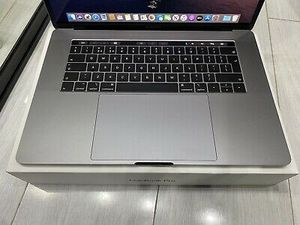 "Apple MacBook Pro 16"" (1TB SSD, 8 Core Intel Core i9 2.40 GHz, 64GB) 8GB GDDR6 for Sale in Las Vegas, NV"