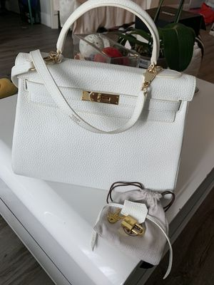 Hermes kelly togo leather white bag size 32 for Sale in Miami, FL