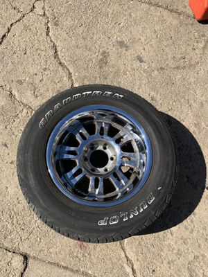 17 inch rims 6 lung nuts for Sale in Chicago, IL