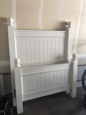 Pottery Barn wood beadboard twin bed frame for Sale in Turlock, CA