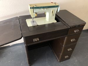 Antique Singer sewing machine and desk for Sale in Brea, CA