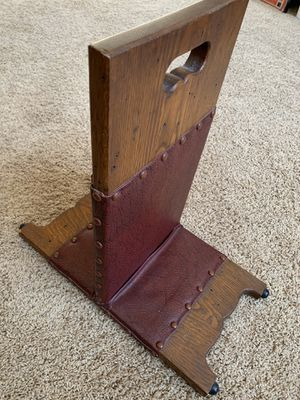 """ANTIQUE FOOT REST. EXCELLENT CONDITION. LEATHER & WOOD. Amazing addition to your furniture collection. 19"""" x 18"""". ONE OF A KIND! SEE PHOTOS for Sale in Naperville, IL"""