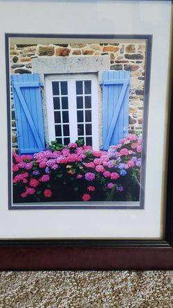 Picture And Frame for Sale in Puyallup,  WA