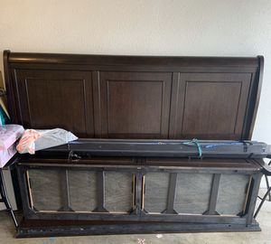 King size Bed frame for Sale in Killeen, TX