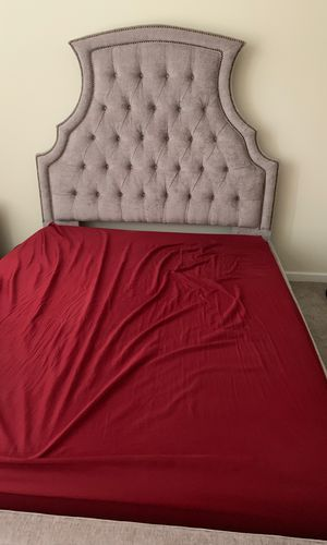 Queen bed frame and headboard for Sale in Rochester, MN