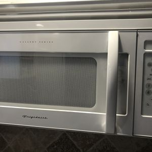 Frididare Gallery Series Microwave for Sale in Orange Park, FL