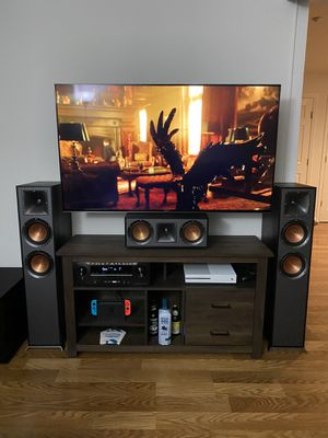 New Klipsch Reference tower speakers and center speaker for Sale in Livermore, CA