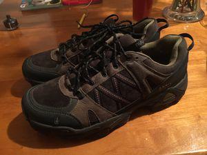 Ahnu shoes size 9 for Sale in Phoenix, AZ