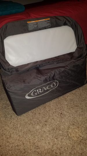Play pen with changing table for Sale in Irving, TX