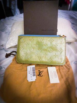 Authentic Green Louis Vuitton Vernis Pochette for Sale in Cherry Hill, NJ