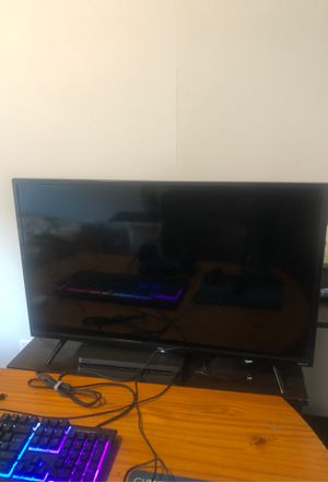 Tcl tv with built in roku for Sale in Romeoville, IL