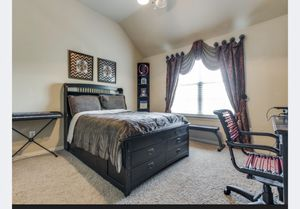 Full bed set for Sale in Aubrey, TX