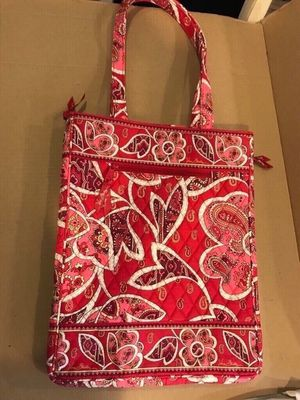 Vera Bradley laptop bag purse It is like brand new, barely used. 14tx12w Cash only Located in Lafayette for Sale in Lafayette, LA
