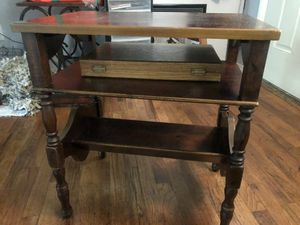 Antique end table for Sale in Sulphur, OK