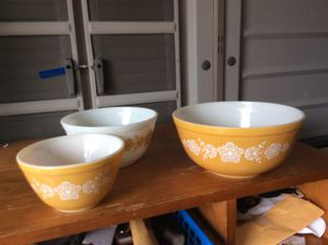 Set of 3 Pyrex mixing bowls price is for all 3 for Sale in Garden Grove, CA