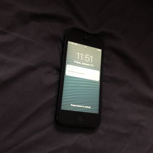 Apple Iphone 5 32GB Black Fully Unlocked for Sale in Los Angeles, CA
