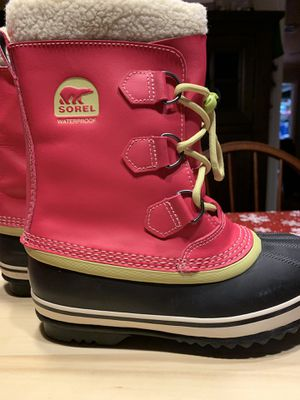 Waterproof Sorel Snow boots (Size 3) for Sale in Rockville, MD