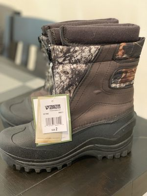 Brand New Size 2 Big Kid snow boots for Sale in Santa Clarita, CA