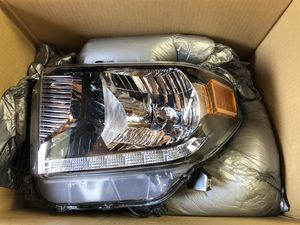 2020 tundra OEM headlights with LED strip for Sale in Levittown, PA