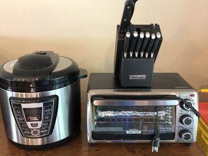 Crock pot, knife set, toaster oven $45 for Sale in Orange City, FL